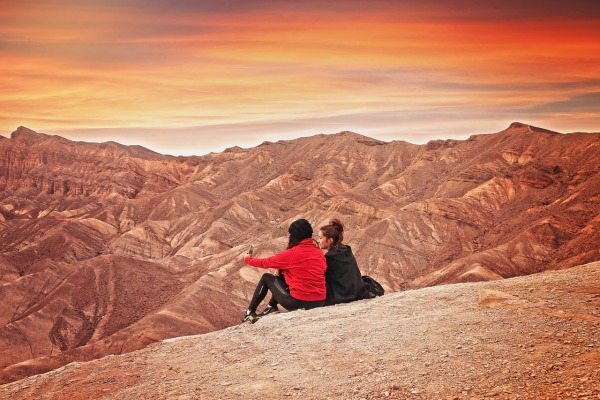 hiking-at-the-death-valley-national-park